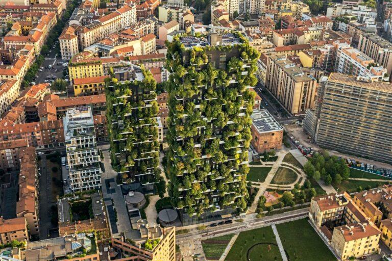 """Bosco Verticale"", урбана вертикална шума во Милано"